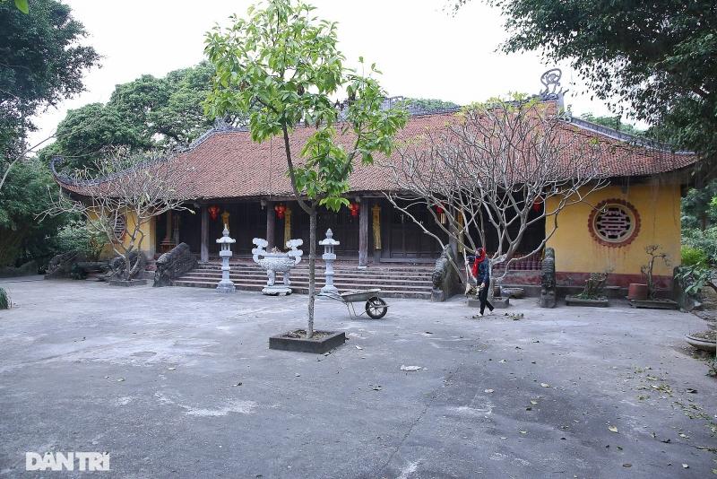 di san dieu khac do so bang da tai chua huong lang