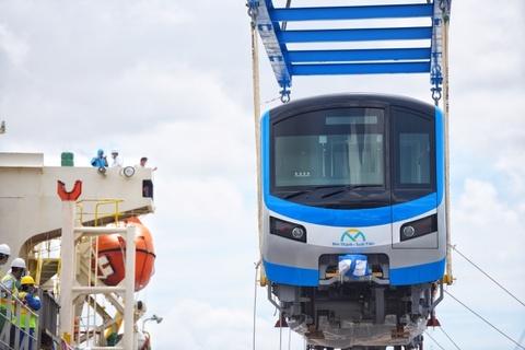 Vì sao metro số 1 lùi thời gian vận hành thương mại sang năm 2022?