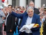 Tổng thống nghèo nhất thế giới rời ghế quyền lực