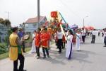 Tưng bừng lễ hội làng Hữu Bổ