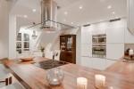 Thiết kế căn hộ gác mái tuyệt đẹp với sàn kính