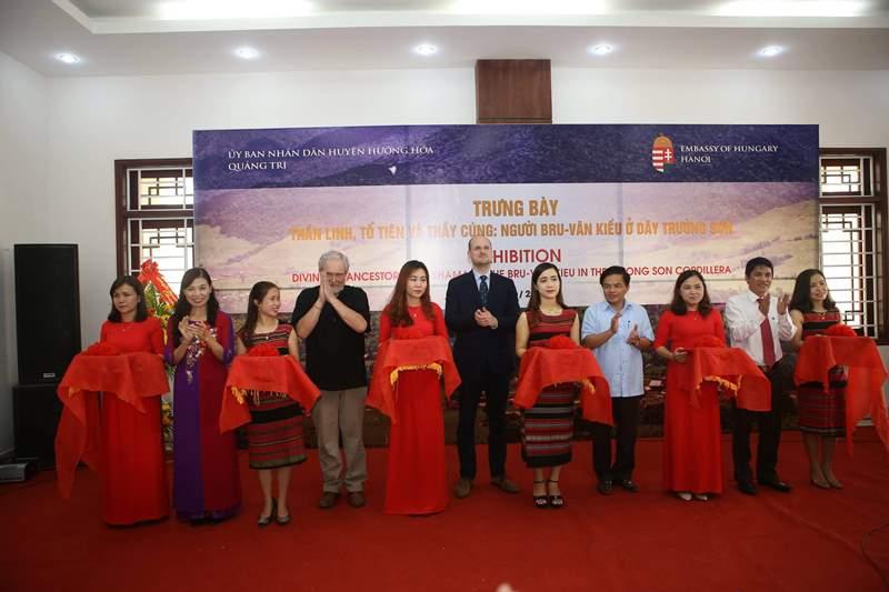 Quảng Trị: Trưng bày ảnh về đời sống văn hóa cộng đồng dân tộc Bru-Vân Kiều