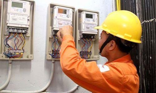 Mỗi gia đình phải trả thêm bao nhiêu khi giá điện tăng?