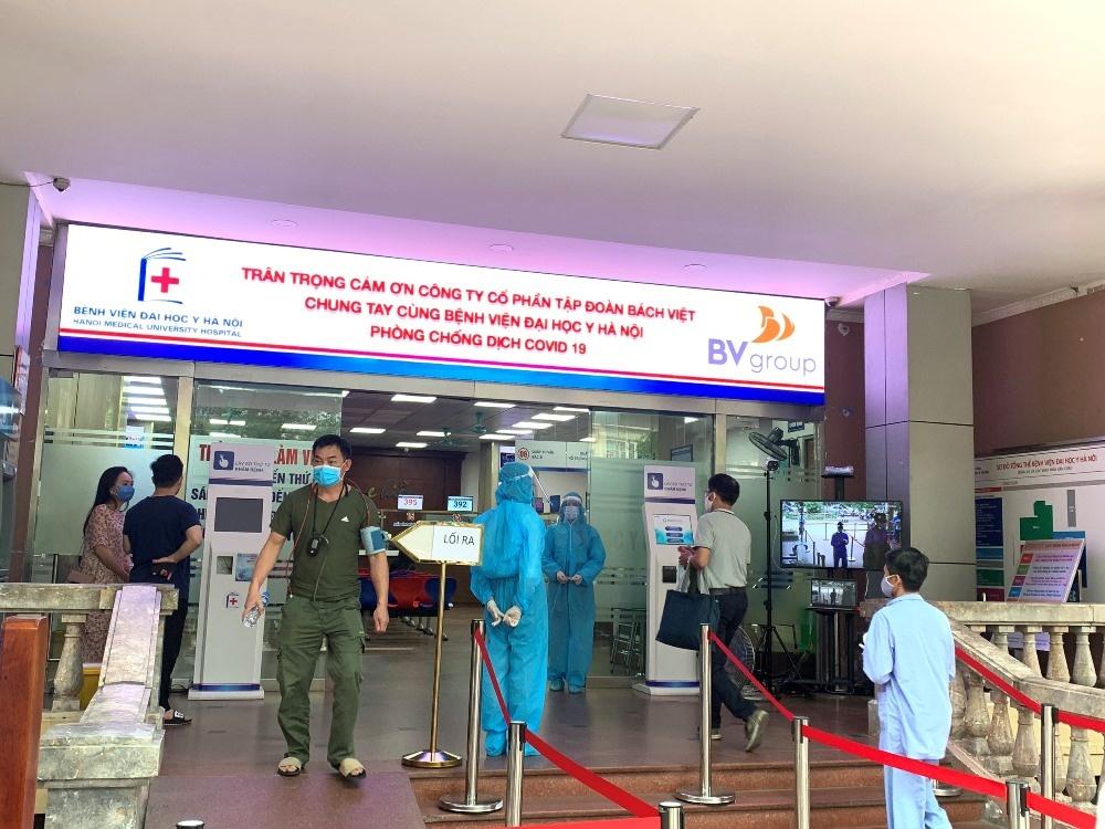 Tập đoàn Bách Việt tài trợ hơn 1 tỷ đồng cho Bệnh viện Đại học Y Hà Nội chống Covid-19