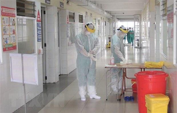 Việt Nam thêm 6 người mắc COVID-19 mới, có 2 ca liên quan BV Bạch Mai