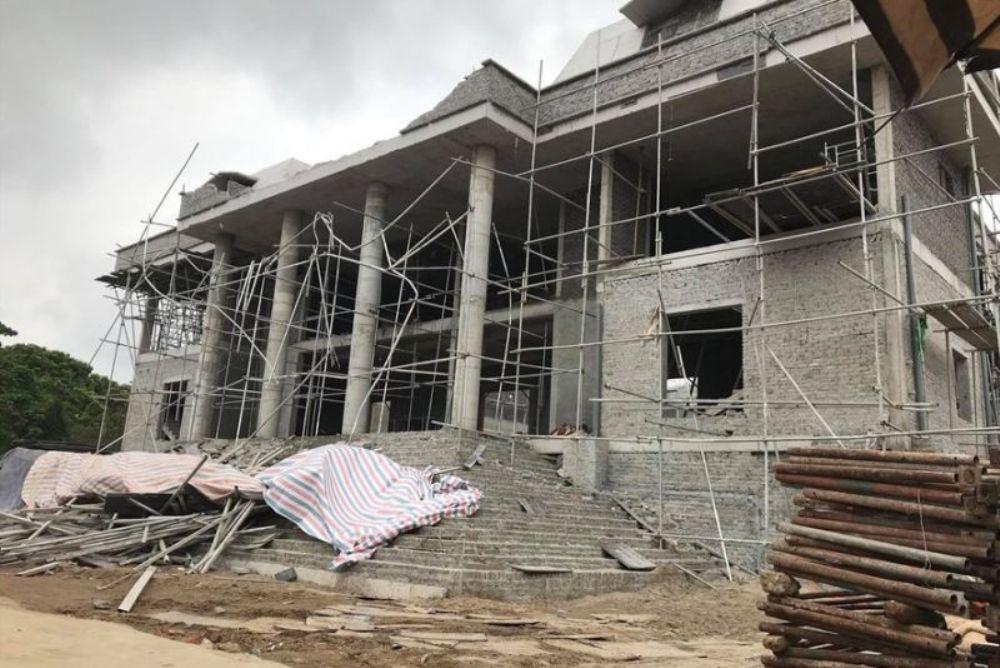 An Dương (Hải Phòng): Sập tường mái công trình nhà văn hoá, 2 công nhân bị thương nặng
