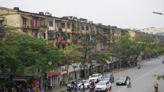 """Nghịch lý: Nhà tập thể cũ """"nát"""" vẫn đắt gấp đôi căn hộ chung cư hạng B"""