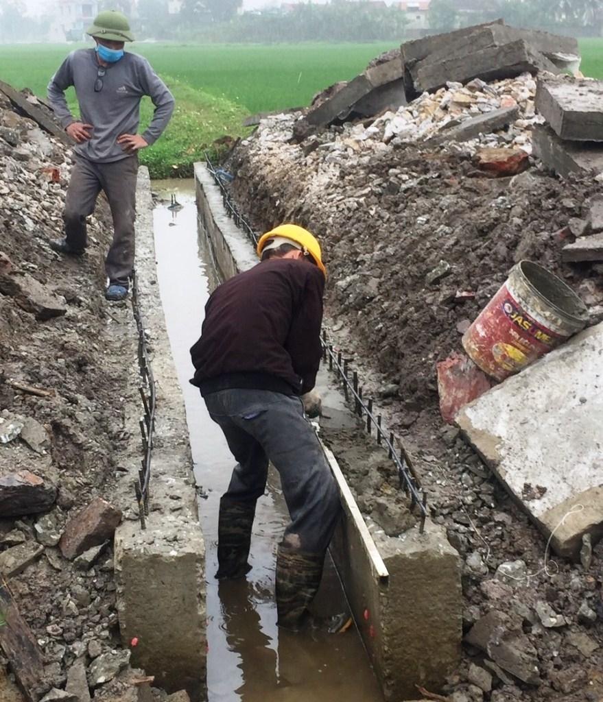 """Hoằng Hóa (Thanh Hóa): Nhà thầu thi công """"thiếu thép"""" rãnh chịu lực bị phạt 30 triệu đồng"""