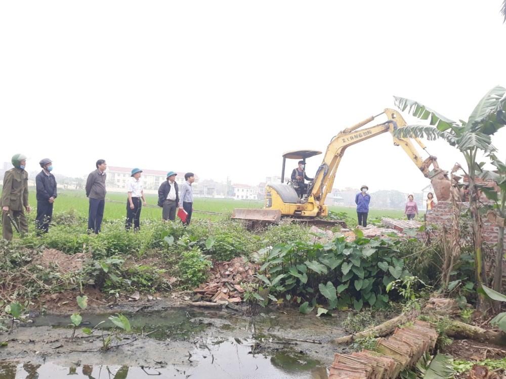 Yên Lạc (Vĩnh Phúc): 11 hộ dân tại xã Đại Tự đã tự giác tháo dỡ công trình vi phạm để làm đường giao thông nông thôn