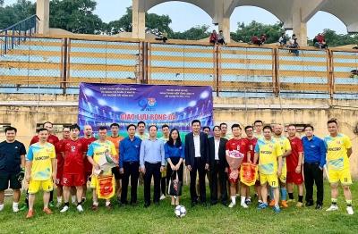 Sôi nổi trận giao lưu bóng đá giữa Cục Quản lý nhà và thị trường bất động sản với Tổng Công ty Xây dựng Hà Nội - CTCP