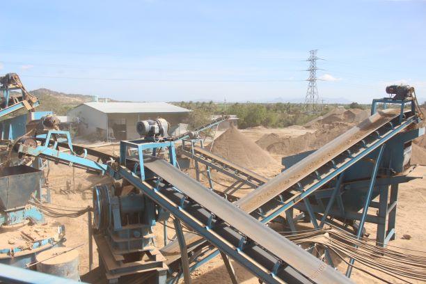 Ninh Thuận: Cát nhân tạo có thể thay thế cát tự nhiên trong ngành Xây dựng?