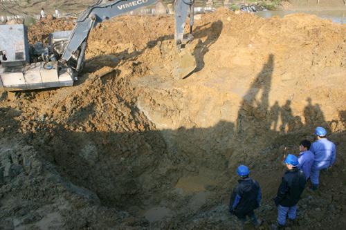 Kiểm tra chất lượng hệ thống đường ống dẫn nước sạch Sông Đà