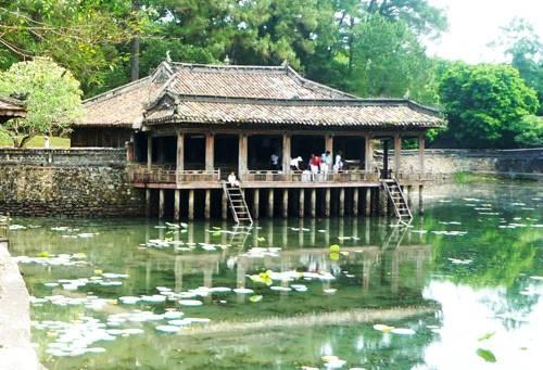 Image result for cảnh đẹp xứ huế lăng minh mạng