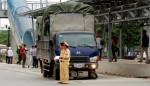 Hà Nội: Ngã ra đường, thiếu nữ bị xe tải cán tử vong