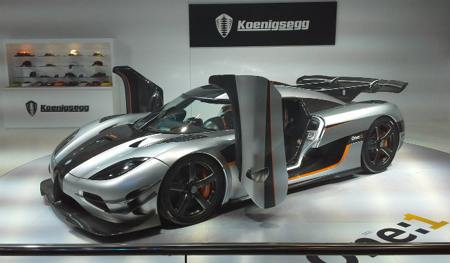 7. Koenigsegg One:1 giá 2 triệu USD