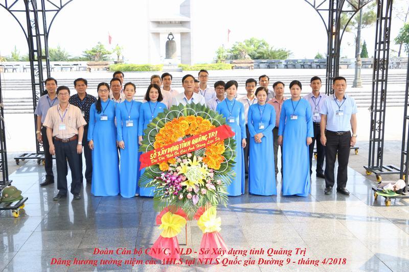 Quảng Trị: Sở Xây dựng tổ chức viếng Nghĩa trang Quốc gia đường 9