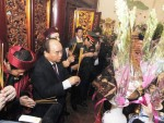 Thủ tướng Chính phủ Nguyễn Xuân Phúc dâng hương tưởng niệm các vua Hùng