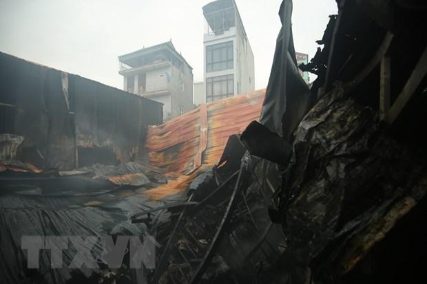 Cháy 4 nhà xưởng rộng 1.000m2 ở Hà Nội, 8 người chết và mất tích