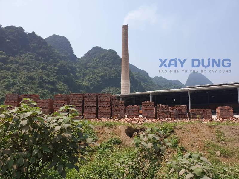 Nghệ An: Lợi dụng chạy thử nghiệm để sản xuất gạch Tuynel bán