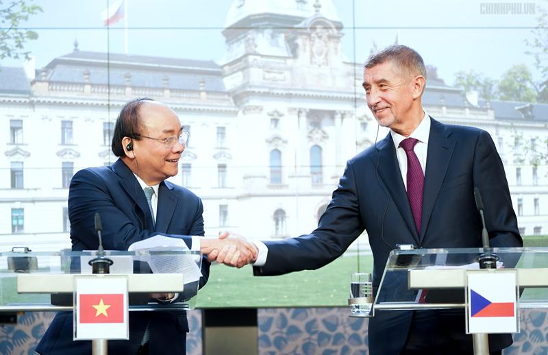 Thủ tướng đánh giá cao việc Czech ủng hộ sớm ký, phê chuẩn EVFTA