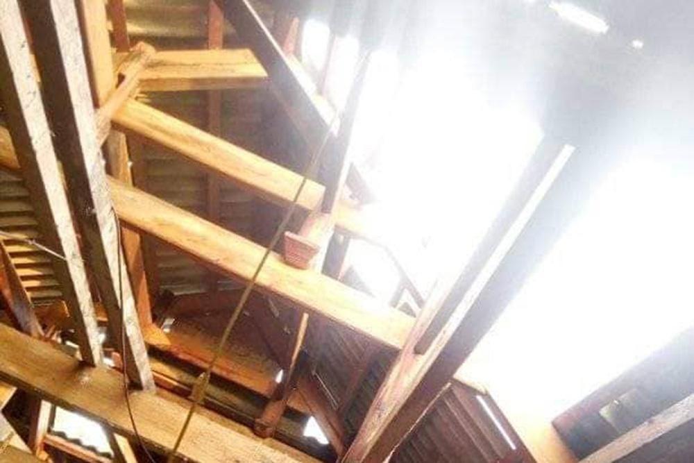 Nghệ An: Gần 250 ngôi nhà bị tốc mái, hàng chục ha hoa màu hư hại do lốc xoáy