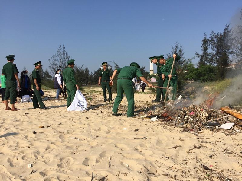 Quảng Bình: Chung tay bảo vệ môi trường biển