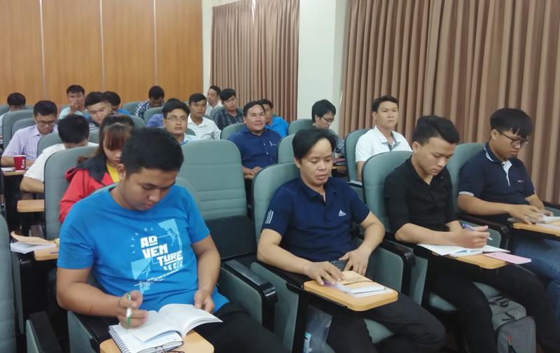 60 quần chúng ưu tú tham gia Lớp bồi dưỡng nhận thức về Đảng