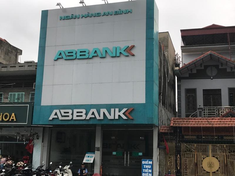 """Ngân hàng TMCP An Bình - Phòng giao dịch Uông Bí – Quảng Ninh: Khi khách hàng và ngân hàng """"tố"""" nhau?"""