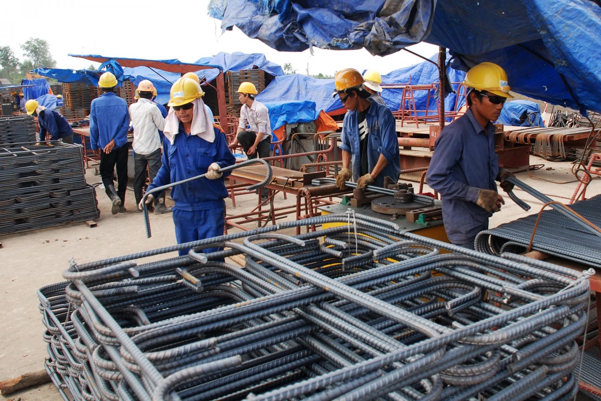 Đẩy nhanh giải ngân đầu tư công, ngành vật liệu xây dựng hưởng lợi