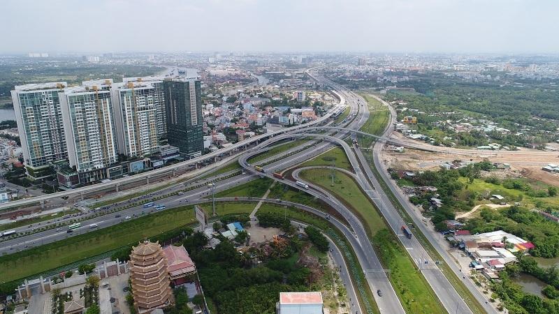 Thành phố Hồ Chí Minh phấn đấu trong năm 2021 đưa vào sử dụng 90 km đường bộ và 20 cây cầu