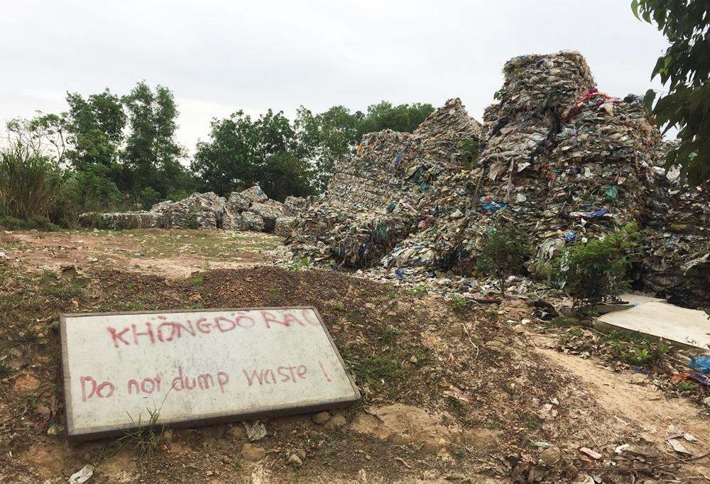 Quảng Bình: Năng lực thu gom, xử lý rác thải từ các nhà máy còn hạn chế
