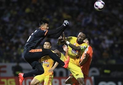 """Đông Á Thanh Hoá """"bốc đúng thuốc"""" khi loại cầu thủ chủ chốt Hoàng Vũ Samson ra ngoài đội hình thi đấu"""
