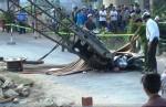 Xáng cạp 'ngã', 3 mẹ con tử nạn lúc đến trường