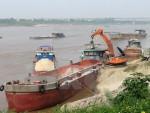 Công an Hà Nội bắt giữ 5 tàu và 10