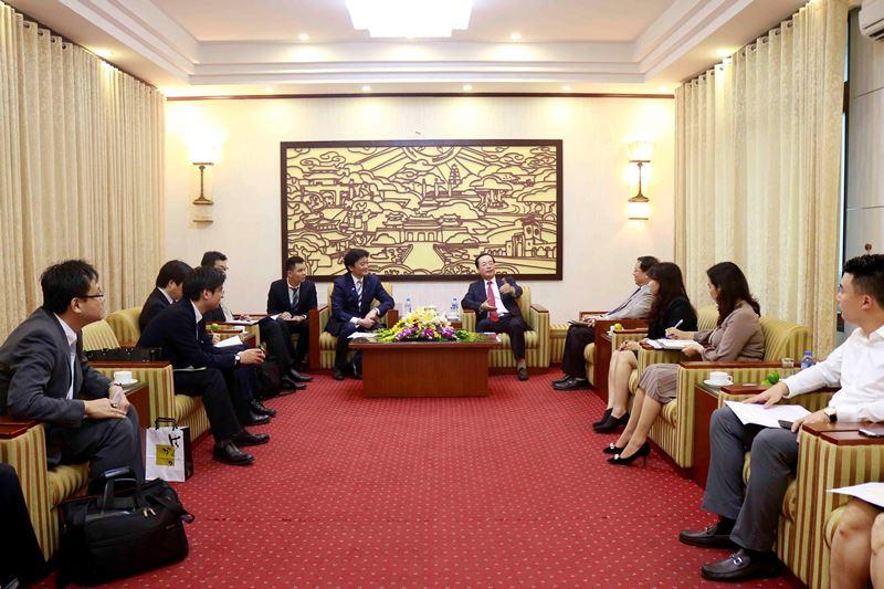 Bộ trưởng Bộ Xây dựng Phạm Hồng Hà tiếp Thứ trưởng Bộ Môi trường Nhật Bản Arata Takebe
