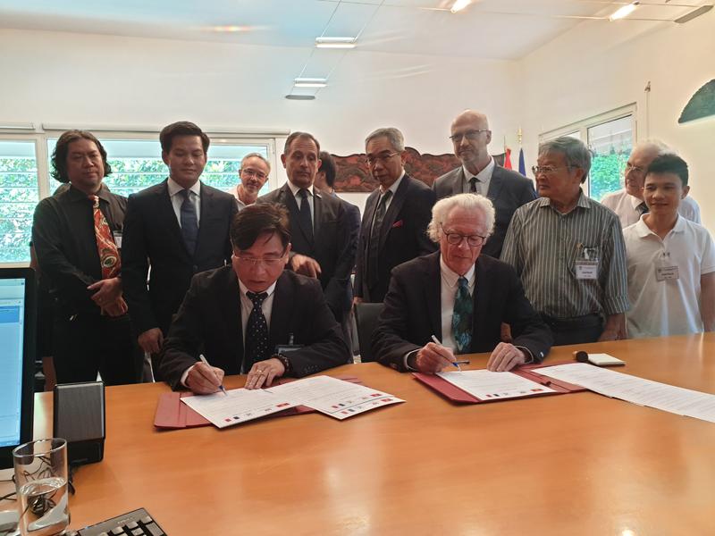 Viện Quy hoạch Xây dựng miền Nam ký kết hợp tác với Viện Hàn lâm Kiến trúc Pháp – Việt