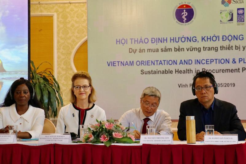 Định hướng và khởi động Dự án Mua sắm Bền vững thuốc và trang thiết bị y tế tại Việt Nam