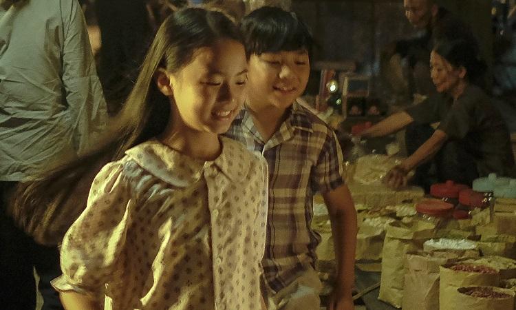 Cảnh chợ đêm, đường phố Huế xưa trong phim 'Mắt biếc'