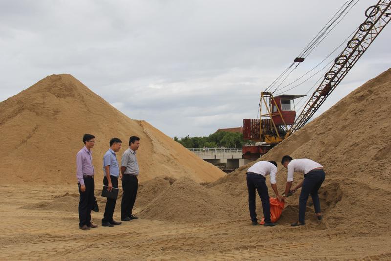 Hà Tĩnh: Giá vật liệu xây dựng tiếp tục tăng gây khó cho nhiều công trình xây dựng