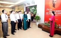 """Vĩnh Phúc: Khai mạc triển lãm """"Hồ Chí Minh đẹp nhất tên Người"""""""