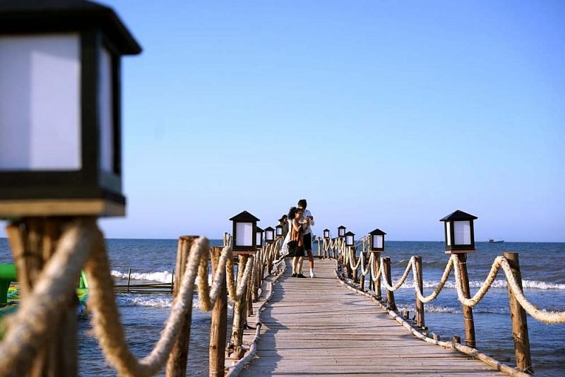 khu nghi duong ana mandara hue doi thuong hieu thanh lapochine beach resort