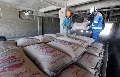 """Giá vật liệu xây dựng """"phi mã"""" khiến nhiều nhà thầu lao đao"""