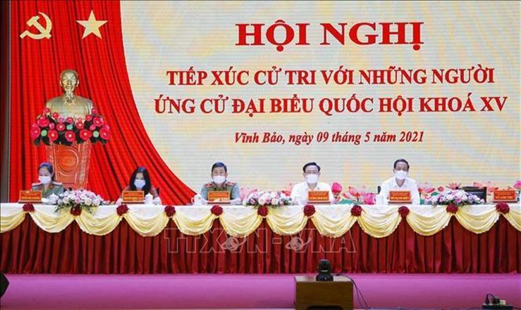 Chủ tịch Quốc hội Vương Đình Huệ tiếp xúc cử tri, vận động bầu cử tại Hải Phòng