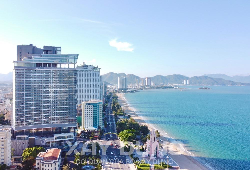 Tập đoàn FPT cùng Tập đoàn McKinsey & Company ký kết thỏa thuận đồng hành quy hoạch tỉnh Khánh Hoà