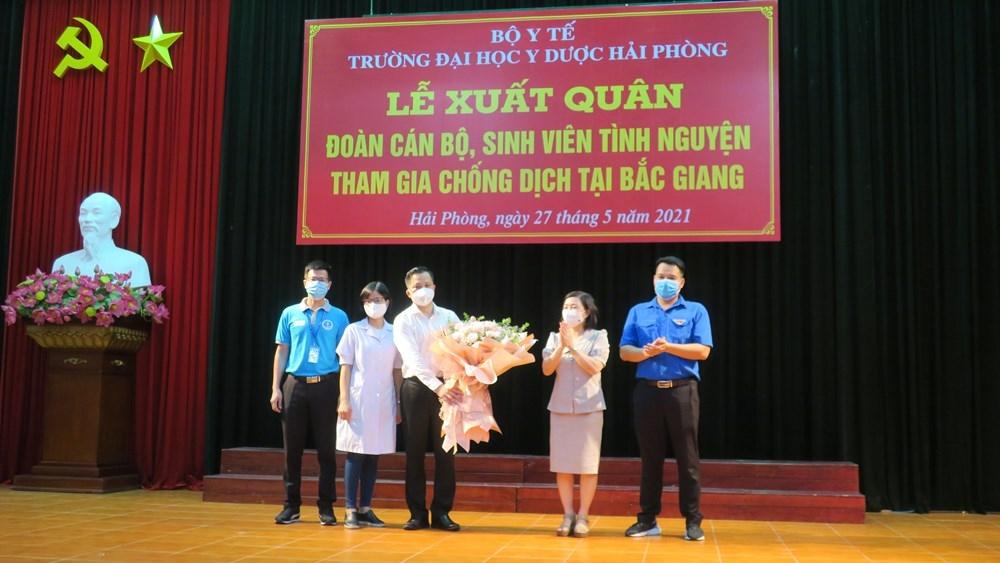Đoàn cán bộ giảng viên, sinh viên trường Đại học Y dược Hải Phòng chi viện tỉnh Bắc Giang chống dịch Covid-19