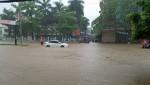 Mưa lớn khiến nhiều tuyến phố Thái Nguyên ngập sâu