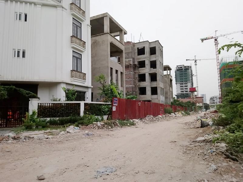 Hà Nội: Nhiều biệt thự bỏ hoang trong khu đô thị mới Hạ Đình