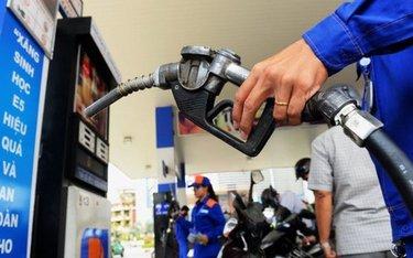 Giá xăng giảm gần 1.100 đồng/lít từ 15 giờ chiều nay