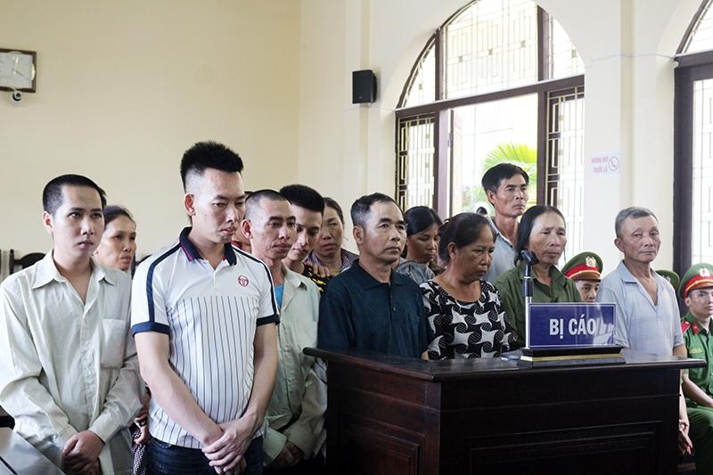 Vân Đồn (Quảng Ninh): Tòa xử vụ ném xăng vào lực lượng giải phóng mặt bằng quân cảng Vạn Hoa