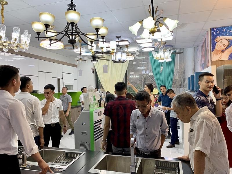 khai truong showroom noi that nhap khau cao cap vnc group tai ha noi